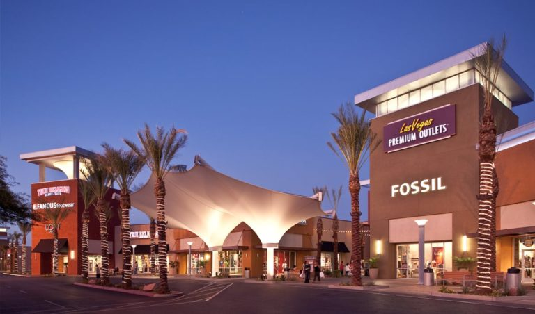 Fashion Outlet Shopping Center